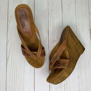 Sbicca Vintage Collection Suede Wedge Sandals Sz 8